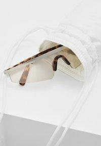 Courreges - Sluneční brýle - grey - 2
