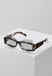 Courreges - Sluneční brýle - brown - 0