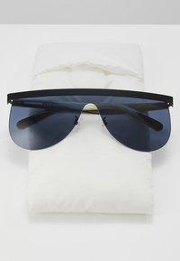 Courreges - Sluneční brýle - black/green/blue - 3