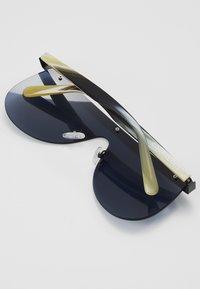 Courreges - Sluneční brýle - black/green/blue - 2