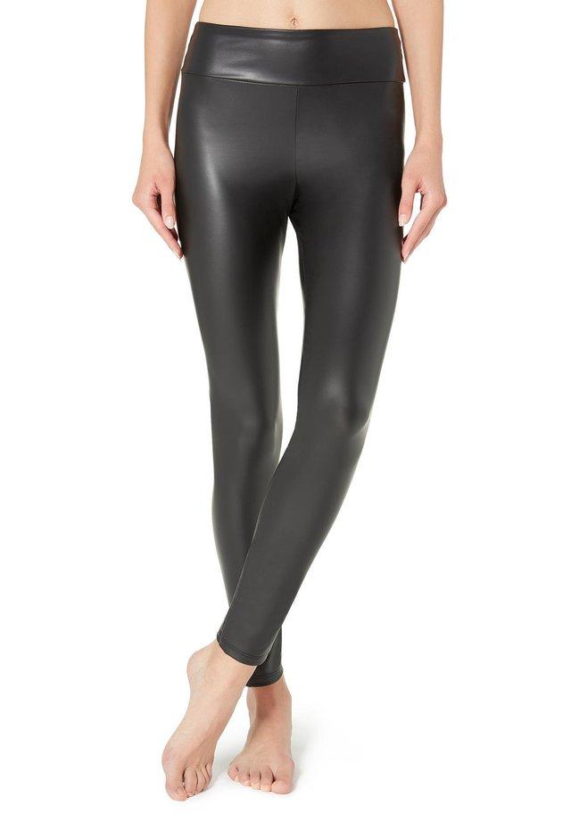 LEGGINGS MIT LEDER-EFFEKT - Leggings - Stockings - black