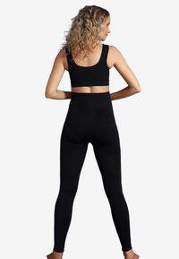 Carriwell - MATERNITY SUPPORT - Leggings - Stockings - black - 2