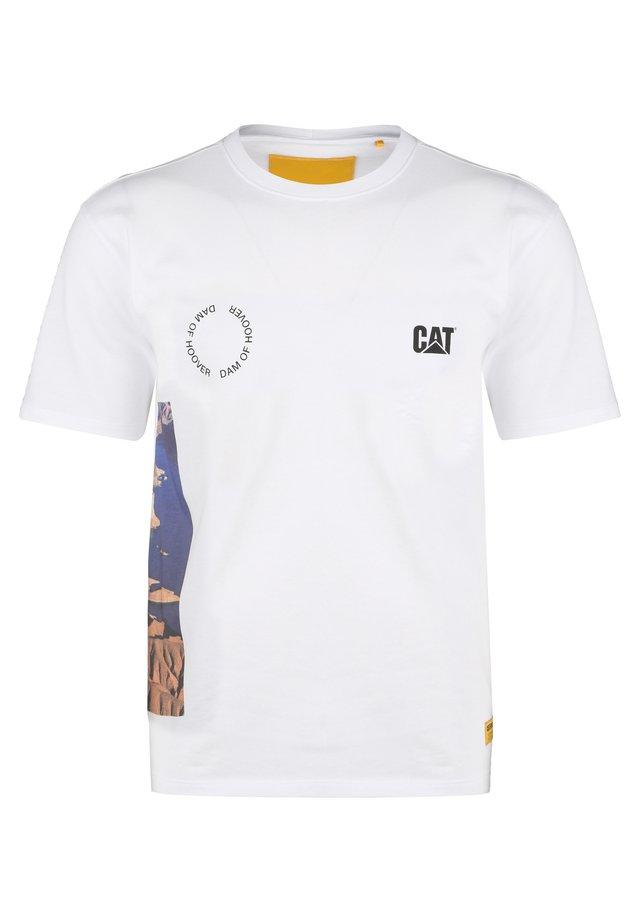 CATERPILLAR CAT HOOVER T-SHIRT HERREN - T-shirt imprimé - white