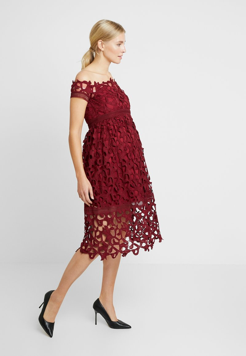 Chi Chi London Maternity - LIZANA DRESS - Vardagsklänning - burgundy