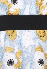 Chi Chi London Maternity - CHESTER DRESS - Sukienka letnia - blue - 2
