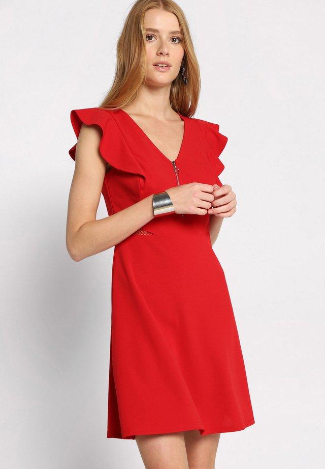 MIT RÜSCHEN - Vestido informal - red