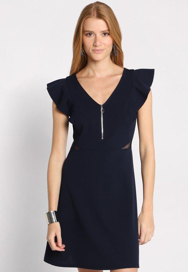 MIT RÜSCHEN - Vestido informal - navy blue