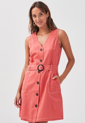 MIT KNÖPFEN - Robe chemise - rose