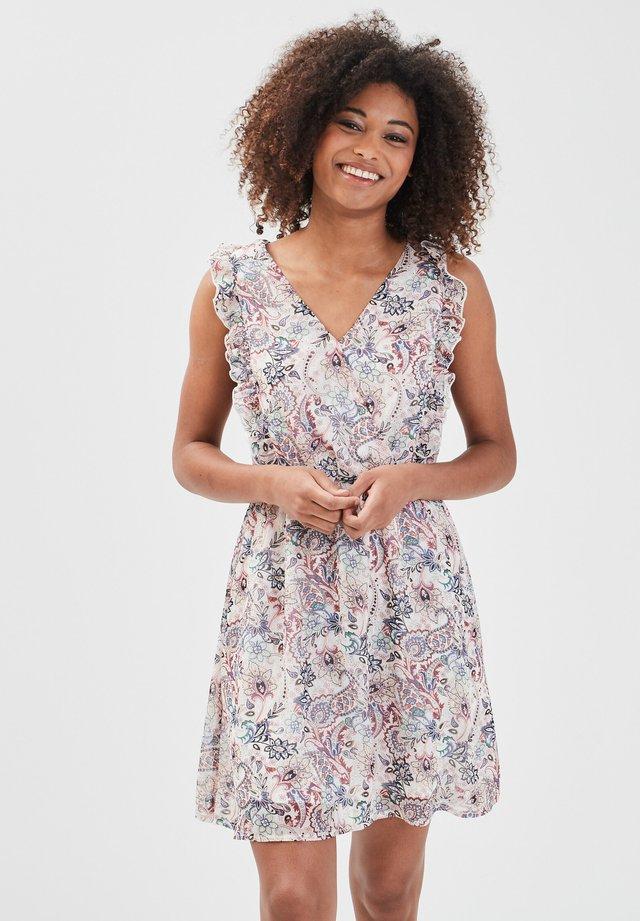 MIT WICKEL - Vestido informal - blanc