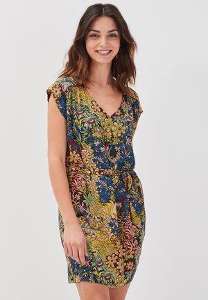 MIT GÜRTEL - Korte jurk - multicouleur