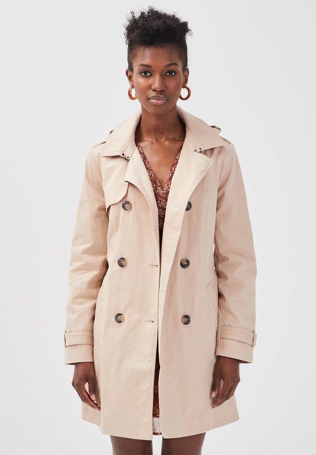 MIT GÜRTEL - Trenchcoat - light brown