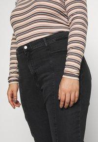 Calvin Klein Jeans Plus - PLUS HIGH RISE SKINNY ANKLE - Jeans Skinny Fit - black - 3