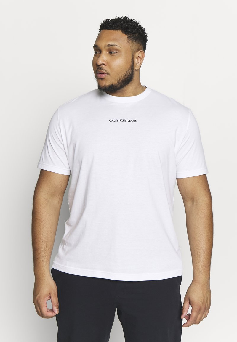 Calvin Klein Jeans Plus - CHEST LOGO TEE - Print T-shirt - bright white