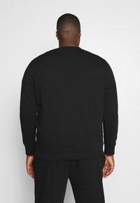Calvin Klein Jeans Plus - PLUS ESSENTIAL - Sweatshirt - black - 2