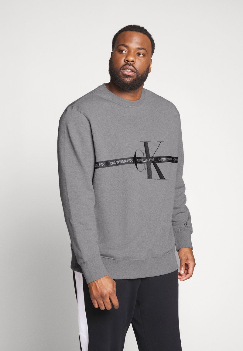 Calvin Klein Jeans Plus - PLUS TAPING THROUGH - Sweatshirt - mid grey heather/poseidon