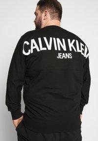 Calvin Klein Jeans Plus - Sweatshirt - black - 4