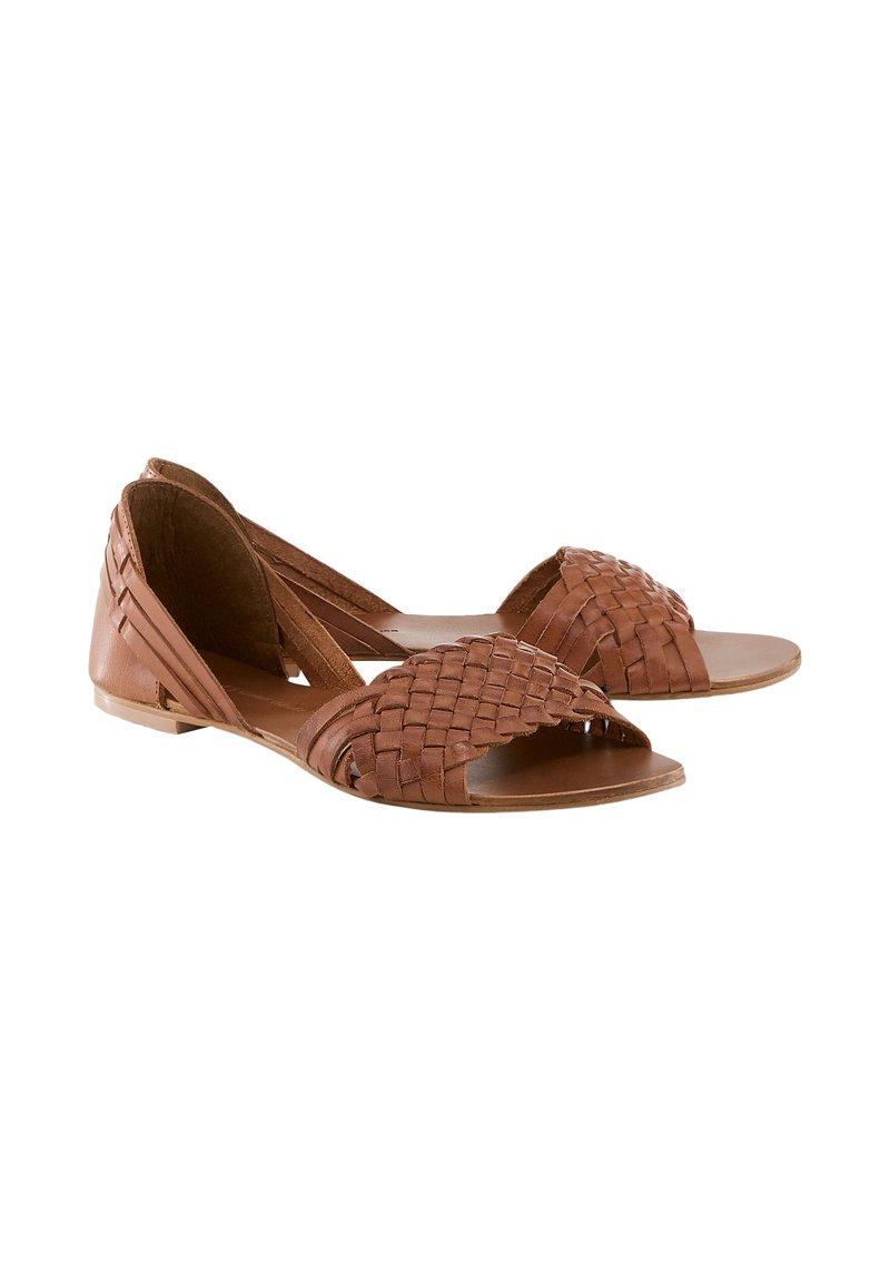 COX - Sandals - braun-mittel