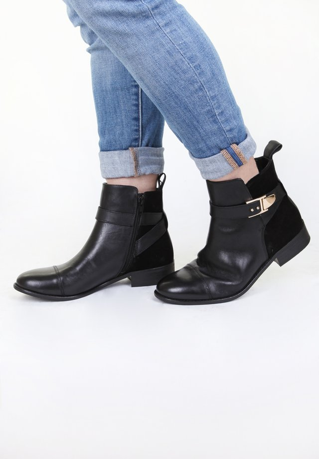 TREND - Classic ankle boots - schwarz