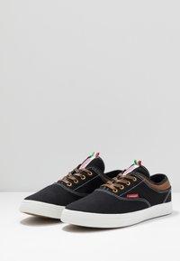 Carrera Footwear - NOBLE - Sneakers - black - 2