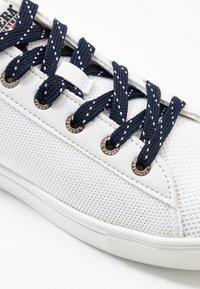 Carrera Footwear - MAIORCA  - Trainers - white/navy - 5