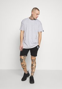 Common Kollectiv - UNISEX BOX FIT FLASH TEE - Print T-shirt - grey marl - 1
