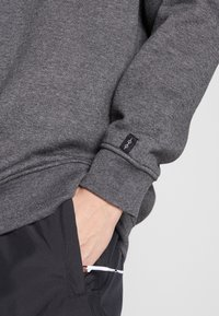 Common Kollectiv - UNISEX FLASH CREW NECK SWEATER - Mikina na zip - charcoal - 5