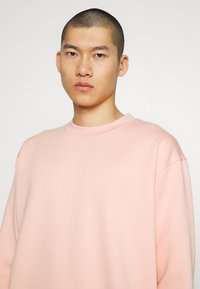 Common Kollectiv - FLASH CREW NECK SWEATER - Sweater - dusty pink - 4