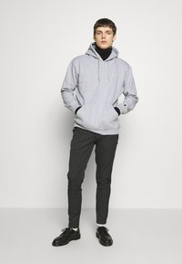 Common Kollectiv - FLASH HOODIE - Sweat à capuche - grey marl - 1