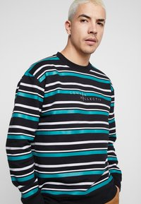 Common Kollectiv - STRIPED GOLF CREW NECK - Mikina - black - 3