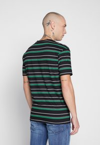 Common Kollectiv - UNISEX STRIPED GOLF TEE - Triko s potiskem - black - 3