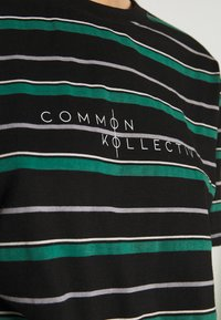 Common Kollectiv - UNISEX STRIPED GOLF TEE - Triko s potiskem - black - 6