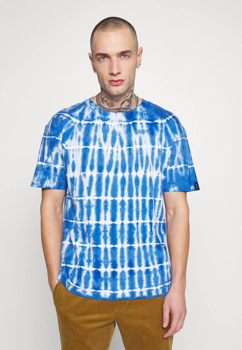 Common Kollectiv - TIE DYE SWIM TEE - T-shirt imprimé - blue