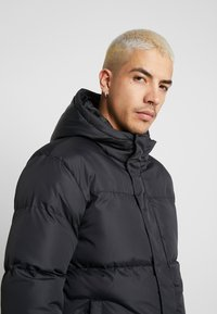 Common Kollectiv - UNISEX SHORT UTILITY JACKET - Parka - black - 3