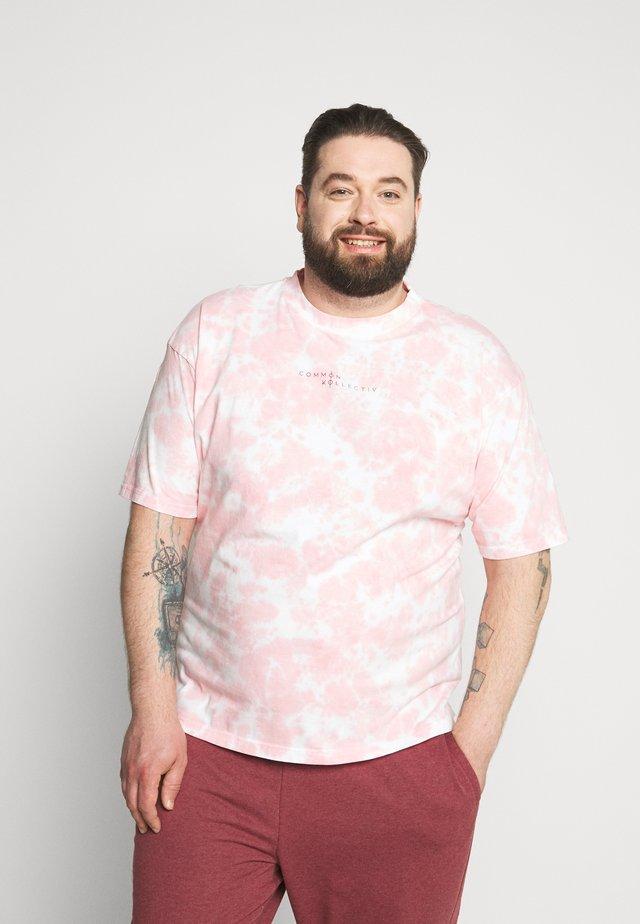 RAGON TIE DYE - T-shirt z nadrukiem - pink