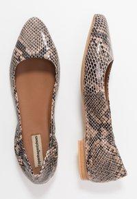Copenhagen Shoes - SNAKE - Ballet pumps - beige - 3