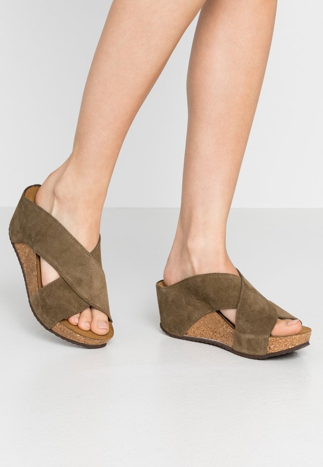 FRANCES  - Heeled mules - antilope