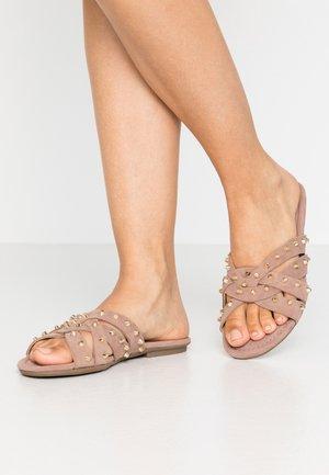 MISTY - Pantofle - nude