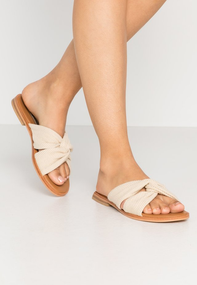 WILMA - Pantolette flach - offwhite