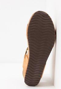 Copenhagen Shoes - DANIELA  - Platåsandaletter - cognac - 6