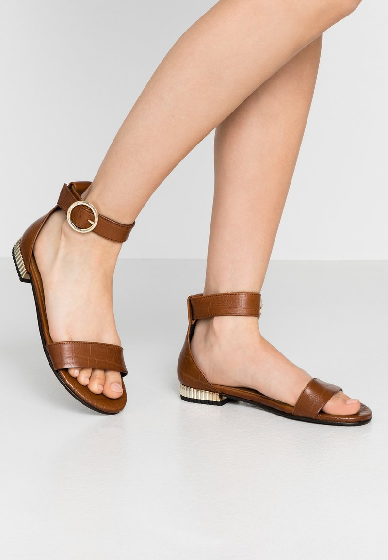 Copenhagen Shoes - DAYSI - Sandals - cognac