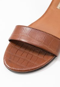 Copenhagen Shoes - DAYSI - Sandals - cognac - 2
