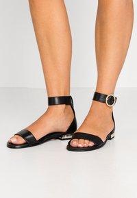 Copenhagen Shoes - DAYSI - Sandalen - black - 0