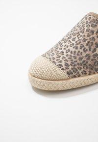 Copenhagen Shoes - FLORENCE - Espadrilles - brown - 2