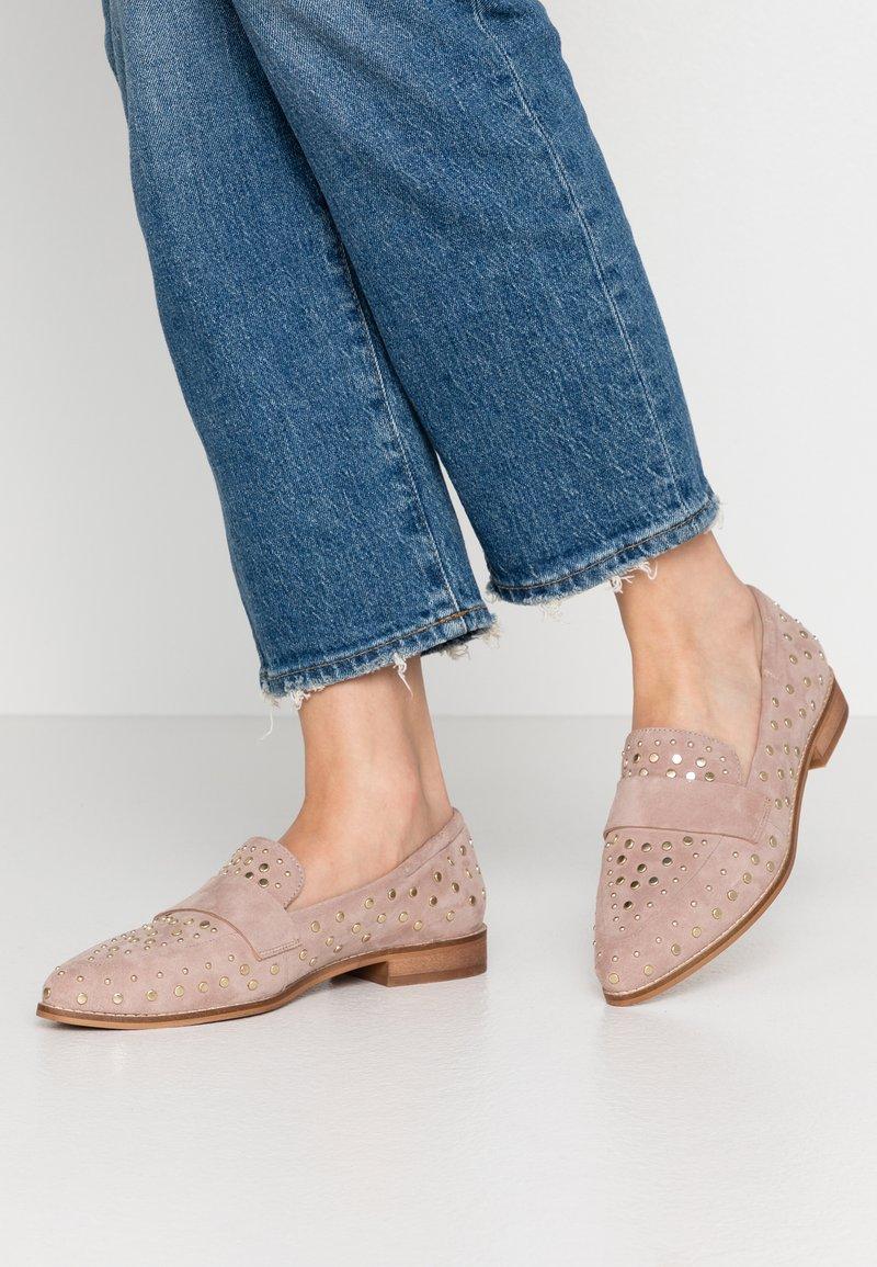 Copenhagen Shoes - MOLLY  - Slip-ons - beige