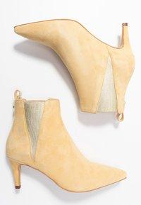 Copenhagen Shoes - SIMI - Ankelstøvler - yellow - 3