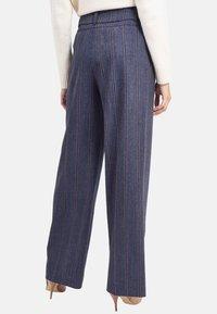 Chemins Blancs - SAVEUR - Pantalon classique - indigo blue - 2