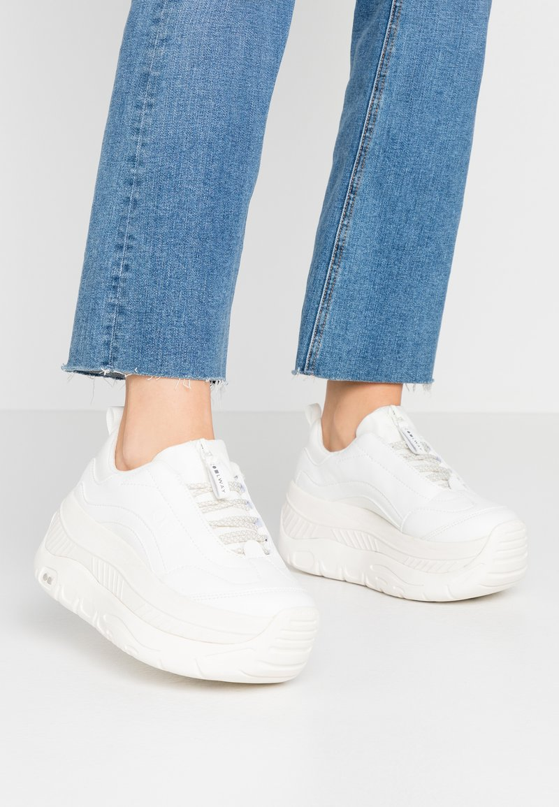 Coolway - CLUSTER - Trainers - white