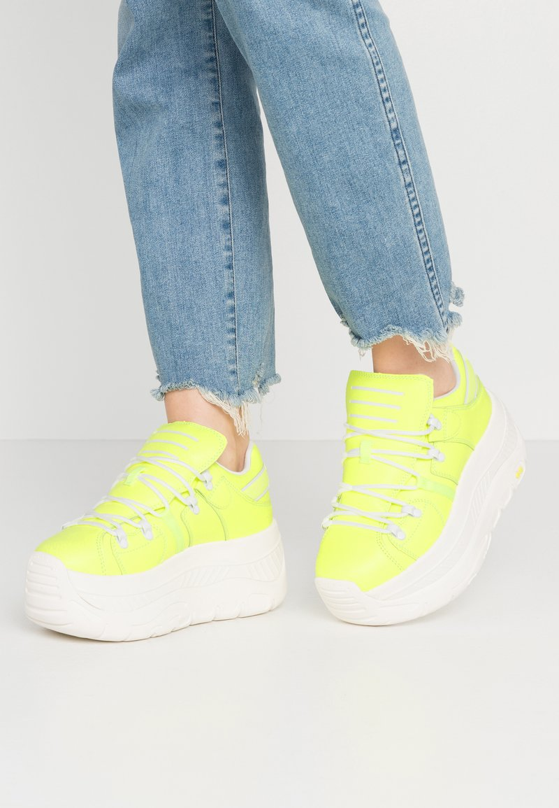 Coolway - CRASH - Trainers - yellow