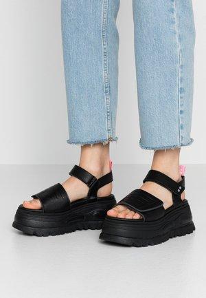 GRAVITY - Korkeakorkoiset sandaalit - black