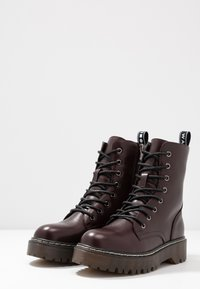 Coolway - CARDY - Platform ankle boots - burgundy - 4